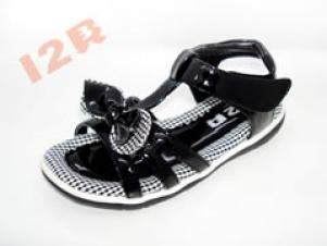 十二贝品牌童鞋加盟