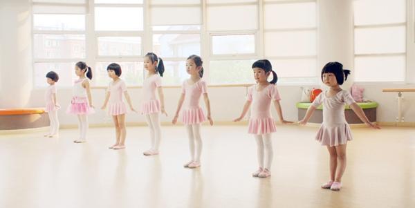 艺乐宝贝幼儿教育加盟